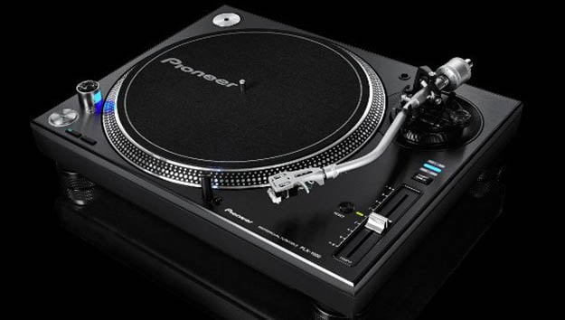 pioneer goes back to basics new turntable plx 1000 deep house amsterdam. Black Bedroom Furniture Sets. Home Design Ideas