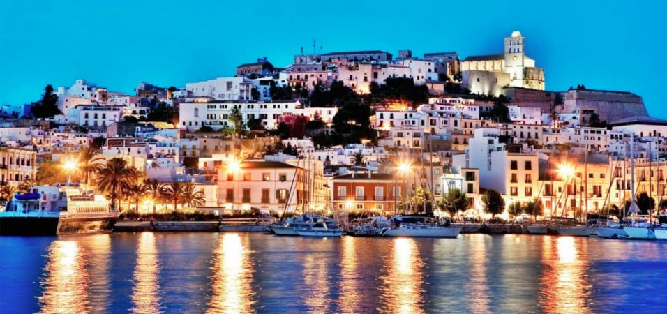 10 DJ Legends Of Ibiza – Deep House Ibiza
