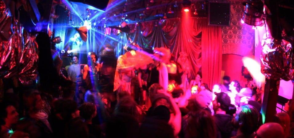 Zur wilde renate masquerade comes to chicago social club for Salon zur wilden renate