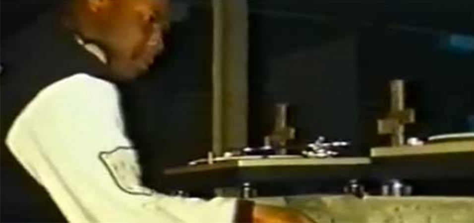 Carl_Cox_Commands_Early_90s_Rave