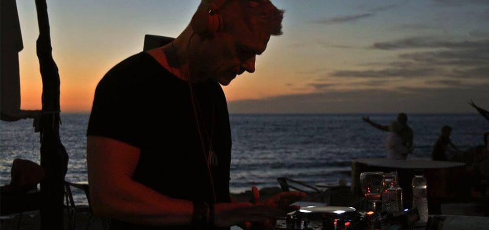 Pioneer_DJ_Radio_Ibiza_Weel
