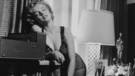 Marilyn_Monroe_Record_Player