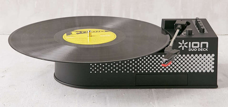 urban-outfitters-vinyl-cassette-player