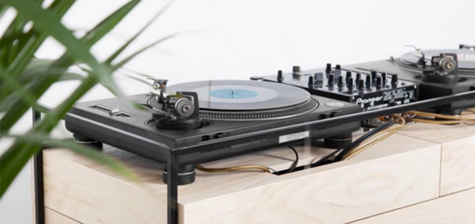 portableDJ-console-Dutch-Firm