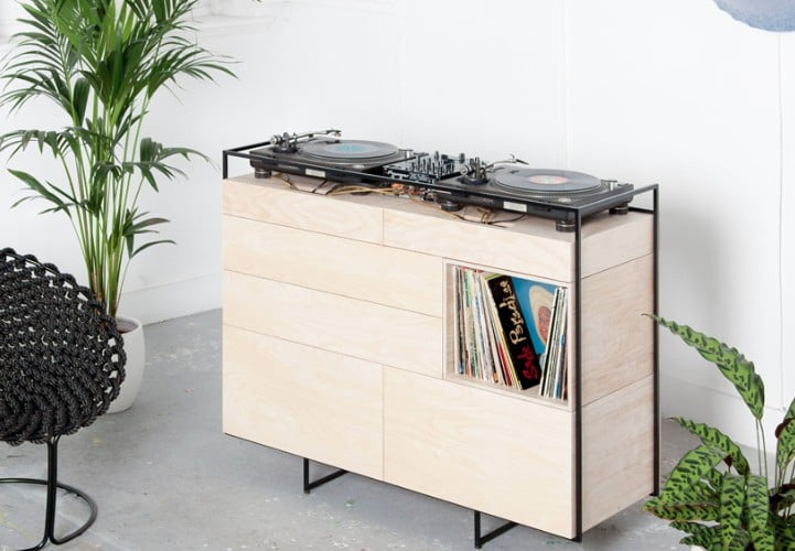 dutch-designed-dj-console-body-image-1462129168