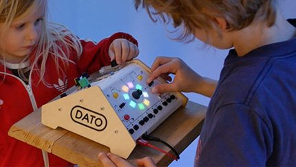 data-duo-synth-for-two