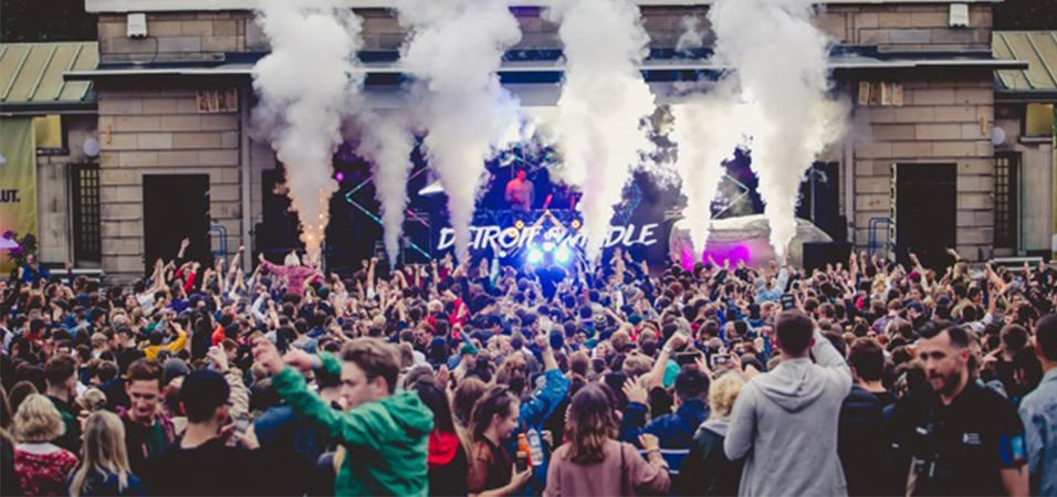 party-report-fly-open-air