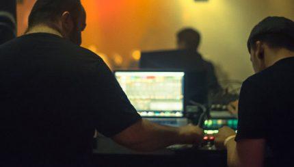 dhl-mix-18-cyrk