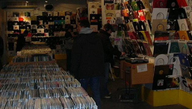 satellite records_playlist